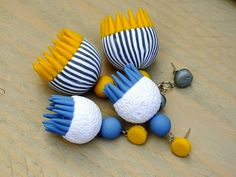HappyThings: Tutorial for Indian Earrings by Lillian