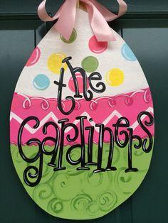 Easter Egg Door Hanger on Etsy, $25.00 Easter Projects, Easter Crafts, Easter Ideas, Wooden Door Hangers, Wooden Doors, Summer Crafts, Holiday Crafts, Easter Eggs Kids, Diy Letters