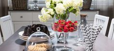 Monen kokoiset ja näköiset ruokailuryhmät: ruokapöydät ja tuolit - tutustu kattavaan huonekaluvalikoimaan Laulumaalla on kattava valikoima erilaisia ruokailupöytiä ja tuoleja kodin monikäyttöisiksi kalusteiksi.Laadukkaina materiaaleina käytetty massiivikoivua, massiivimäntyä, mdf-levyä sekä kalu... Decor, Furniture, Table, Home Decor, Table Decorations