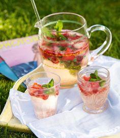 Strawberry-gin-fizz