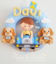 Guirlanda do Davi 💙 O papai gosta de carros antigos então o Davi veio todo fofinho no carro V8 😍 Obrigada mamãe Ju pela confiança ... amei…