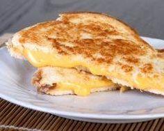 Grilled cheese sandwich (facile, rapide) - Une recette CuisineAZ