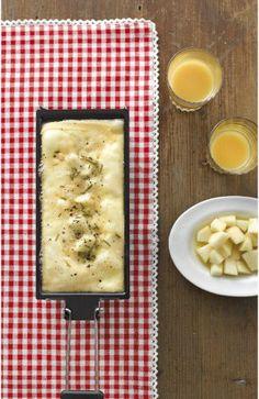 Raclette mit selbsteingelegten Rosmarin-Birnen   raclette.de