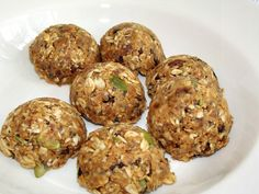 Clean Eating Recipe No Bake Peanut Butter Energy Balls #eatclean #cleaneating