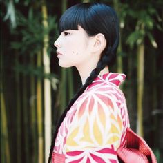 kwwwsk: schwein-child: Kozue Akimoto 秋元梢 Geisha, Fashion Art, Fashion Beauty, Japanese Outfits, Japanese Clothing, Japanese Kimono, Cute Japanese Girl, Japanese Hairstyle, Japanese Characters