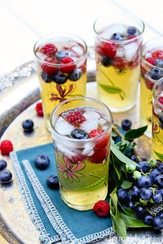 Passion Fruit and Berries Sparkler - afarmgirlsdabbles.com #passionfruit @farmgirlsdabble