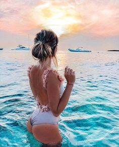 Most Trendy Swimsuits For Women Summer 2019 The Beach, Beach Girls, Summer Beach, Summer Vibes, Summer Pictures, Beach Pictures, Bahamas Pictures, Vacation Pictures, Poses Photo