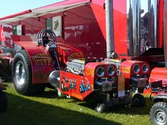 Crazy Cars, Weird Cars, Antique Tractors, Old Tractors, Logging Equipment, Heavy Equipment, Truck And Tractor Pull, Truck Pulls, Ih