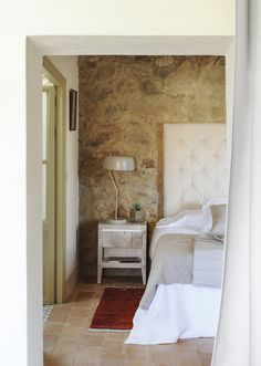 〚 Wonderful transformation of old house in sunny Spain 〛 ◾ Photos ◾Ideas◾ Design Exterior Design, Interior And Exterior, Mediterranean Homes, Stone Houses, Beautiful Interiors, Old Houses, Rattan, Spain, Interior Decorating