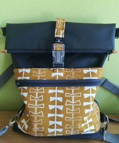 The introduces itself! - So schöne Taschen - bags Zipper Bracelet, Diy Backpack, Newborn Diapers, Ribbon Yarn, Polka Dot Fabric, Denim Bag, One Bag, Fabric Bags, Cool Fabric