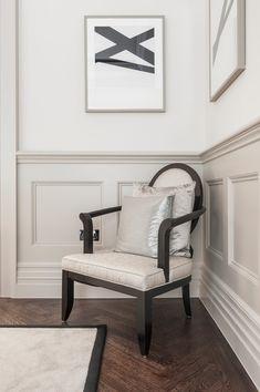 half paneled room - Google Search Traditional Living Room, Formal Living Rooms, Living Dining Room, London Living Room, Wall Trim, Interior, Victorian Hallway, Hallway Designs, Luxury Interior Design