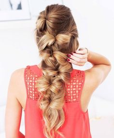 Who needs a bow, when you have all that hair? Source || Pinterest #bow #hair #hairstyles #beauty