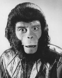 Everything about the mighty PLANET OF THE APES saga, from the original novel, via the classic films of the and right up to the 2011 reboot. Fiction Film, Science Fiction, Plant Of The Apes, Post Apocalyptic Fiction, Drawings Pinterest, Classic Monsters, Sad Faces, Dark Gothic, Animal Heads
