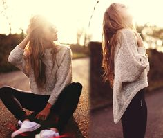 Oversize gilded sweater, leggings and converse. Outfit of the Day: 23 April Leggings And Converse, Sweaters And Leggings, Converse Outfits, Converse Sneakers, Black Leggings, Look Formal, Beige Sweater, Sparkly Sweater, Teen Fashion