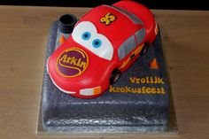 Cars cake by Wendy