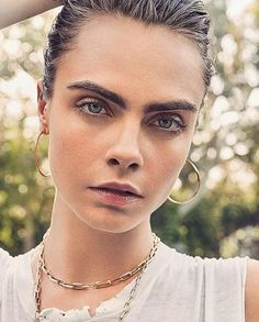 Delevigne Cara, Cara Delevingne Photoshoot, Cara Delevingne Style, Cara Delvingne, Pretty Asian Girl, Gorgeous Eyes, Coming Out, Celebs, Celebrities