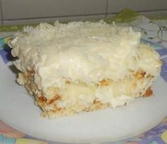 Image may contain: food Sweet Recipes, Cake Recipes, Icebox Cake, Portuguese Recipes, Köstliche Desserts, Homemade Cakes, Love Food, Cupcake Cakes, Sweet Tooth