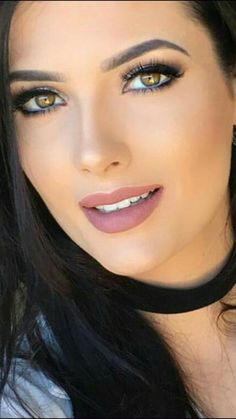Green eyes and match pink lipstick lips choker and hair black, open mouth Most Beautiful Faces, Stunning Eyes, Gorgeous Eyes, Beautiful Girl Image, Pretty Eyes, Gorgeous Lady, Girl Face, Woman Face, Real Beauty