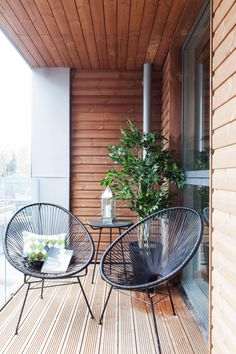 30 Beautiful small balcony ideas for limited space To complete beauty tiny balcony, you must to locate right furniture for it, especially for small terrace, space-saving and dedicate dimension is more important. Modern Balcony, House With Balcony, Small Balcony Design, Tiny Balcony, Small Balcony Decor, Small Terrace, Terrace Design, Balcony Ideas, Small Balconies