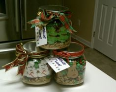 S'mores in a jar.  Perfect Christmas gift for Girl Scout Leaders.