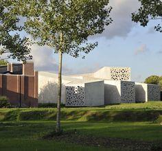 Le Musée d'art Moderne, Lille    Parisian architect's delicately sculptured museum extension