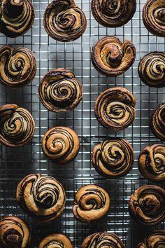 Citrus + Chocolate Brioche by Eva Kosmas Flores Yummy Recipes, Sweet Recipes, Delicious Desserts, Dessert Recipes, Yummy Food, Czech Recipes, Soup Recipes, Croissants, Pastry Recipes
