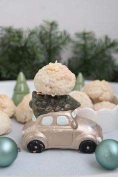 Driving home for Cookies – Saftige Mandelberge Cakepops, Cupcakes, Wooden Toys, Dessert, Cookies, Post, Blog, Chocolate Macaroons, Flourless Cake