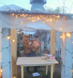 Theresa Cano's Garden Antqs Vintage:  Spring Blog Party - Warrenton Texas  Sooooo InViTing!*!*!