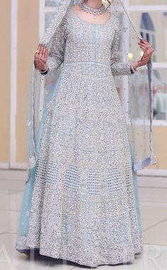 New Bridal Dresses, Pakistani Bridal Dresses, Awesome Dresses, Nice Dresses, Walima, Bride Photography, Desi Wedding, Anarkali Suits, Bridal Looks