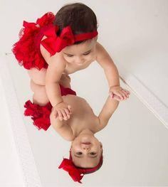 Cute Baby Photos, Newborn Baby Photos, Baby Girl Photos, Newborn Pictures, Baby Girl Newborn, Baby Pictures, Cute Baby Girl, Baby Love, Baby Christmas Photos