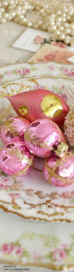 pink & gold ✿⊱╮