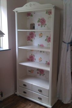Read more about shabby chic decor Refurbished Furniture, Repurposed Furniture, Home Decor Furniture, Shabby Chic Furniture, Furniture Projects, Furniture Makeover, Painted Furniture, Diy Home Decor, Shabby Chic Crafts