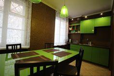 Kuchnia Apartament Pomarańczowy  http://www.rainbowapartments.pl/apartament-pomaranczowy/