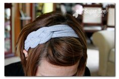 Super cute DIY upcycled head band http://www.sugarbeecrafts.com/2011/08/knotted-headband-with-tshirt-yarn.html