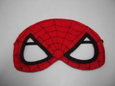 Divertidas e alegres máscaras confeccionadas em feltro para você curtir seu aniversário com o seu super herói favorito !!  Podem também ser usadas como adereços em bailes de Carnaval. Faço outros super heróis, como Wolverine, Mulher Maravilha, Hulk, Superman, etc. É só solicitar o mostruário, ok ? A PARTIR DA COMPRA DE 10 PEÇAS, CADA MÁSCARA SAI A R$ 3,50.  Aproveite !!!!!!!!!! R$ 4,50