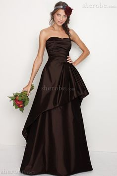 Fancy A-line natural waist taffeta dress for bridesmaid - Just in case I want to make them look ugly. Cute Wedding Dress, Fall Wedding Dresses, Colored Wedding Dresses, Wedding Gowns, Backless Wedding, Elegant Wedding, Ruffles Bridesmaid Dresses, Bridesmaid Dress Styles, Wedding Bridesmaids