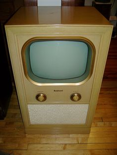 Vintage Early 50's Television Set.