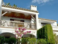 House in the tranquil and lush Mijas La Nueva, to pretty Mijas Pueblo Malaga Airport, Open Fires, Townhouse, Lush, Spain, Villa, Mansions, House Styles, Pretty
