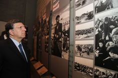 EC President Jose Manuel #Barroso examines an exhibit in YV's Holocaust History Museum 9/7/12