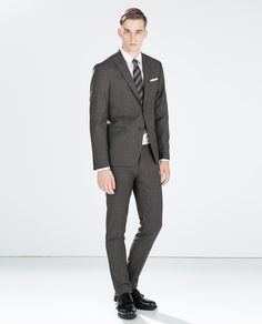 Image 1 of CHARCOAL GREY PLAIN MERINO WOOL SUIT from Zara