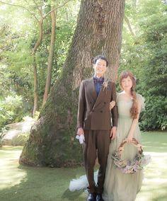 スズさんのドレスは緑のお庭が良く合います♪#maisonsuzu#メゾンスズ#カラードレス#森の中の結婚式#archdays #リースブーケ#チーム0527#ハナコレストーリー#marryxoxo #ゼクシィ#プラコレ#トリートドレッシング#ナチュラルウェディング#weddingsparrow#ウェディングニュース#ハナプラ卒花レポ Wedding Wreaths, Wedding Bouquets, Wedding Flowers, Wedding Couples, Cute Couples, Wedding Styles, Wedding Photos, Colored Wedding Dresses, Cute Fashion