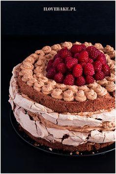TORT CZEKOLADOWY Z BEZĄ Tiramisu, Grilling, Ale, Ethnic Recipes, Birthday Cakes, Food, Chocolate Cakes, Pies, Crickets