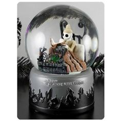 Tim Burtons The Nightmare Before Christmas snow globes and collectibles make great Halloween decorations that you can keep all year. Jack Skellington and the gang are lots of fun to have ghosting around the house. Tim Burton, Halloween Decorations, Christmas Decorations, Halloween Gifts, Halloween Wishes, Disney Snowglobes, Jack The Pumpkin King, Manualidades Halloween, Christmas Snow Globes