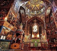 Vank Cathedral. Isfahan, Iran. / olokosmon / temple / palais / perspective / arche / contreplongée