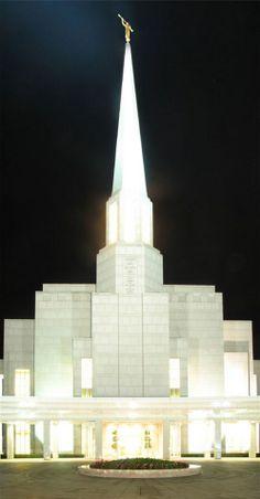 Preston England Temple at night. #LdsTemple