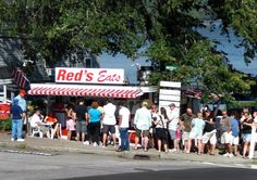 Red's Eats Lobster Roll | The Best in Maine?