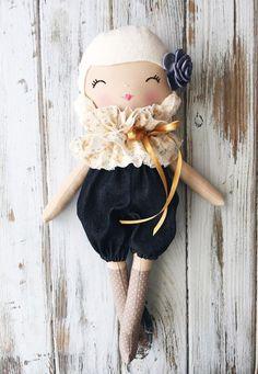 Eleanor SpunCandy Classic Doll Heirloom Quality Doll door SpunCandy