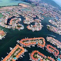 Sierra Nevada, Rafael Urdaneta, Ecuador, Floating House, Floating Island, Futuristic City, Future City, City Buildings, Drone Photography