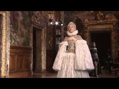 PARIS FASHION WEEK/FASHION VIDEO: Alexander McQueen Autumn/Winter 2013 - Image Amplified: The Flash and Glam of All Things Pop Culture. From the Runway to the Red Carpet, High Fashion to Music, Movie Stars to Supermodels.