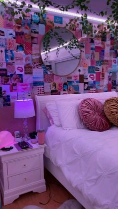 Neon Bedroom, Room Design Bedroom, Room Ideas Bedroom, Bedroom Inspo, Dream Bedroom, Dream Teen Bedrooms, Hippie Bedrooms, Bedroom Decor For Teen Girls, Teen Room Decor